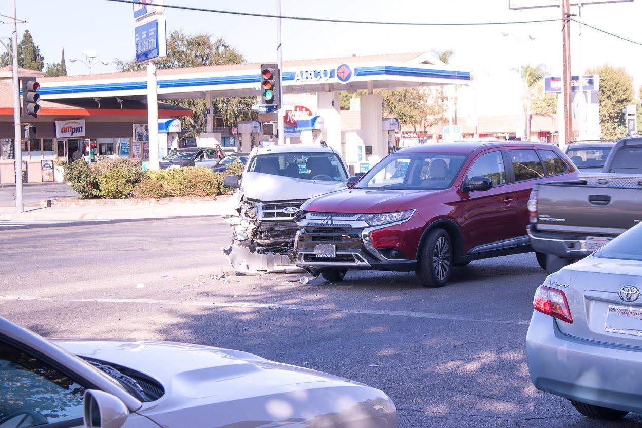 Santa Ana, CA - Injury Wreck on SR-55 near Lincoln Ave